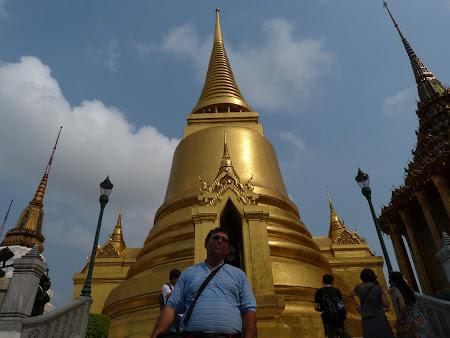 Obiective turistice Thailanda: stupa de aur Bangkok
