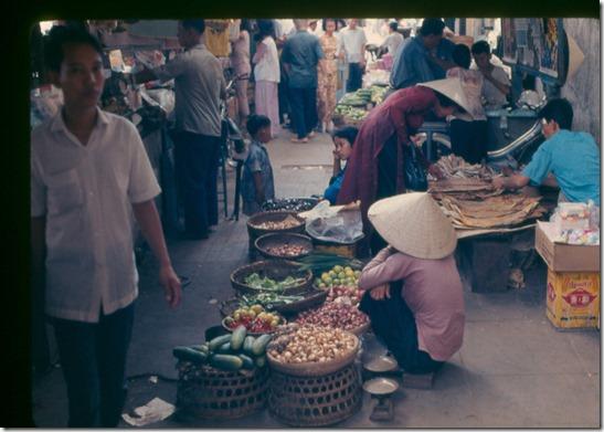 saigon market 1967 00002