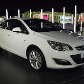 2013-Opel-Astra-Sedan-1.jpg