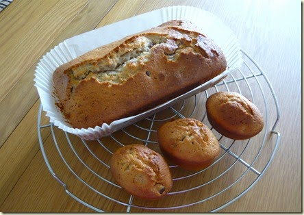 cherry and almond yoghurt cake2