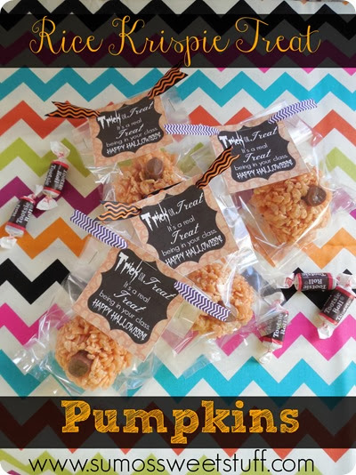 Rice Krispie Treat Pumpkins with FREE printable at SumosSweetStuff.com
