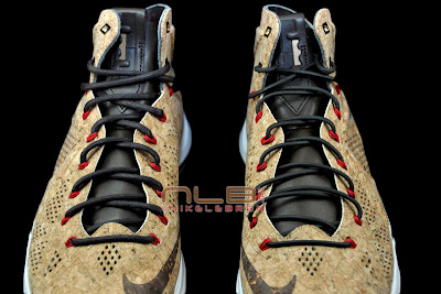 lebron10 nsw cork 30 web black The Showcase: NIKE LEBRON X Cork World Champions Shoes