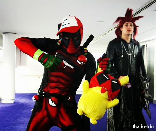 Smash! 2013 - Cosplay - Faves - Deadpool with Pikachu Pokemon