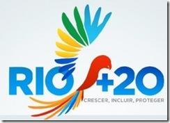Logo da Rio+20 - Papagaio colorido no meio da expressão Rio+20, em azul. Crescer, Incluir, Proteger, abaixo, em cinza