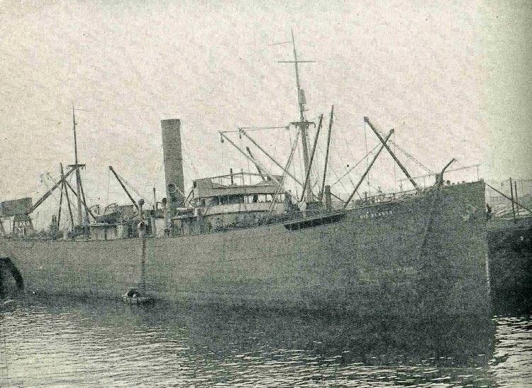 Vapor RIO BLANCO. Luego PEPITA MUMBRU. Foto de la revista CATALUNYA MARITIMA. Año 1920.jpg