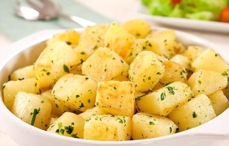 batata sautee com ervas frescas