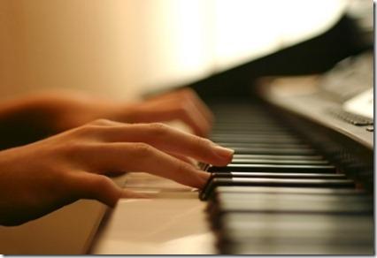 play-piano1