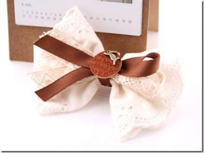 Making-ribbon-hair-bows-for-girls-1