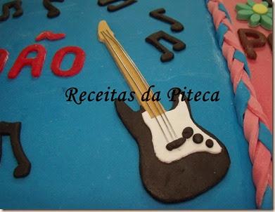 Bolo de aniversário para dois-guitarra