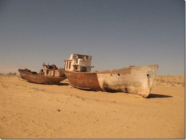Navios abandonados de Mar de Aral (7)