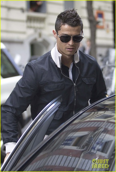 cristiano-ronaldo-madrid-restaurant-04