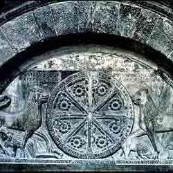 76 - Portada del Crismon de la Catedral de Jaca