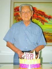 Grandpa 88 cake