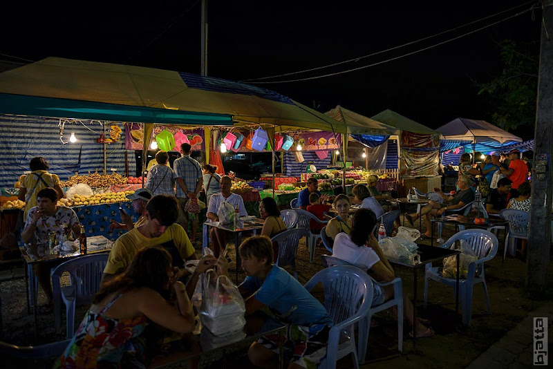 2557_Thailand_Pattaya_Jomtien_Night_market_at_beach-23