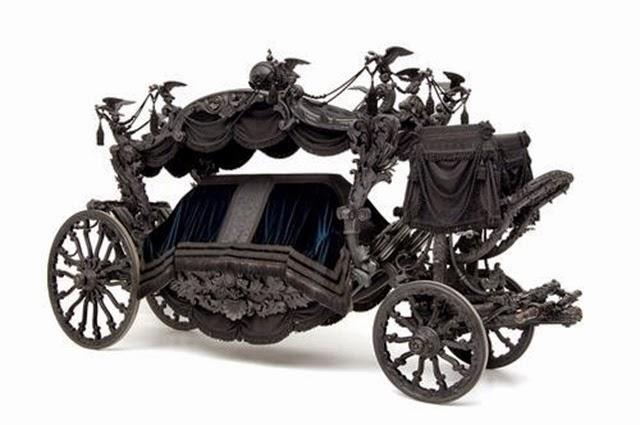 La carroza fúnebre