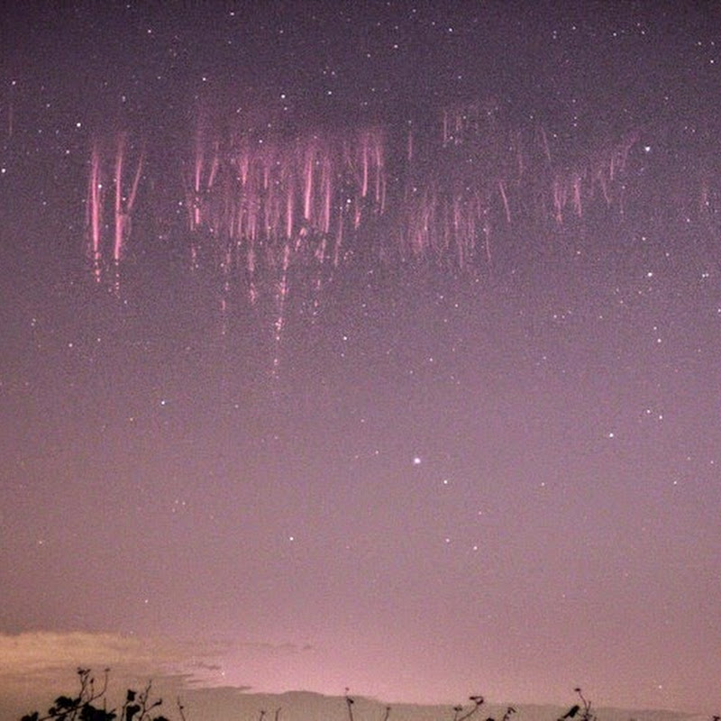 Photographer Captures Sprite Lightning Over Italy