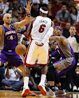 lebron james nba 121105 mia vs phx 14 King James wears 5 Colorways of Nike LeBron X in 6 Games