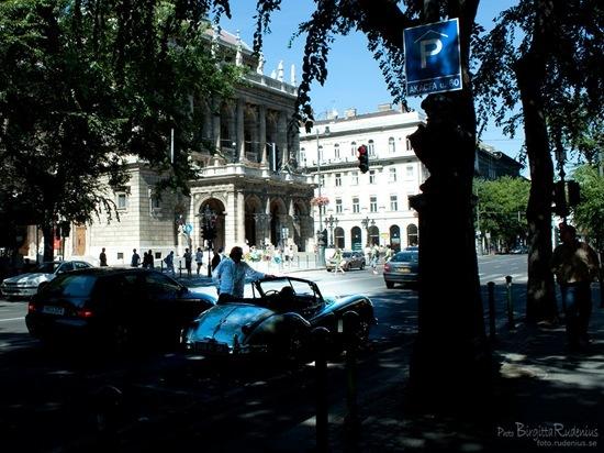 street_20110821_opera