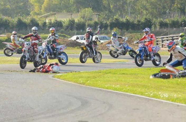Sic追悼レース、死亡事故発生:...