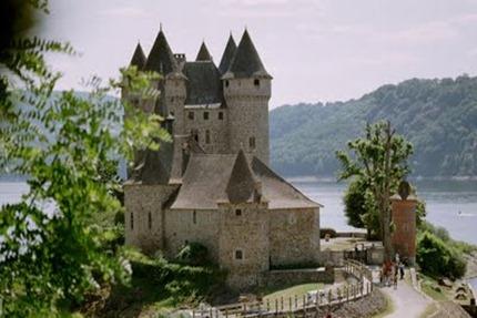 Lanobre_35658_chateau-de-Val