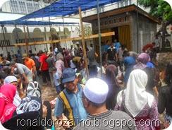 Suasana Pemotongan Hewan Kurban di Masjid Raya Kota Teluk Kuantan (14)