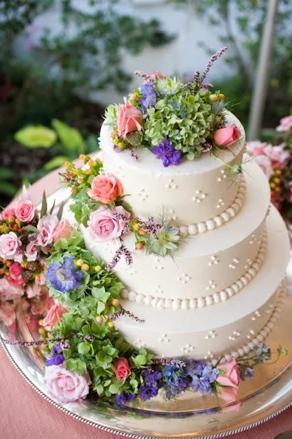[cake-1415-holly-chapple5.jpg]