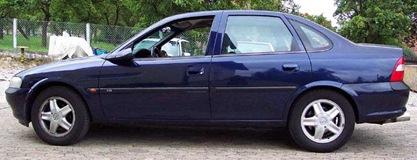 Opel Vectra 4 p 1996