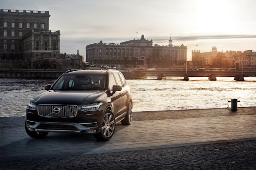 2015-Volvo-XC90-18.jpg