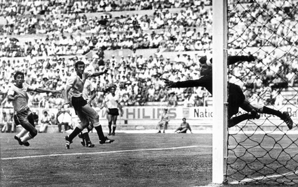 Gol de Clodoaldo contra o Uruguai em 1970