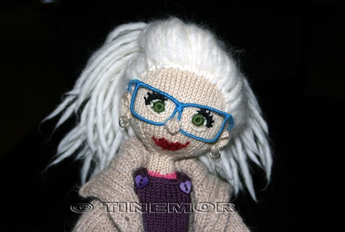 Kamilla med briller!