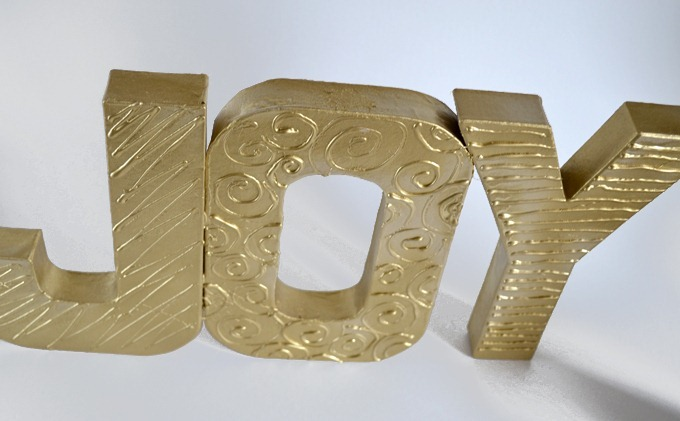 diy textured word decor