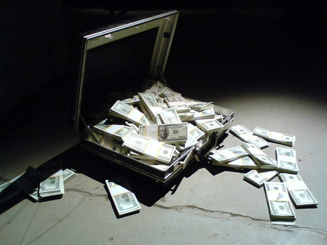 maleta-dinheiro1-1024x768