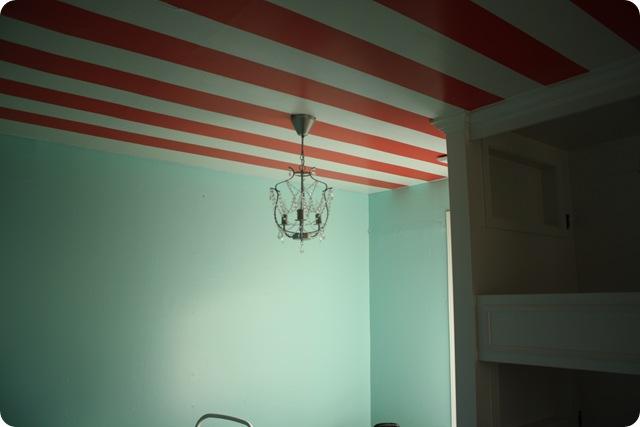 girls room_7913