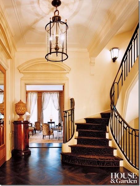 traditional-staircase-hallway-david-kleinberg-design-associates-new-york-new-york-200612-2_1000-watermarked