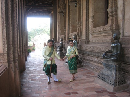 den-Luang Prabang-song-cham (1)