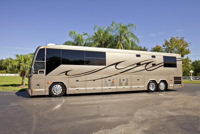 Florida Coach Inc H3 45 Vip Prevost