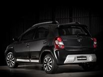 Toyota-Etios-Cross-5