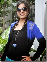 Madhavi_latha_new_stylish_photos