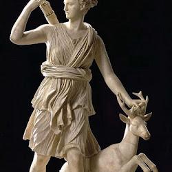 33.- Atemisa Cazadora. Atenas