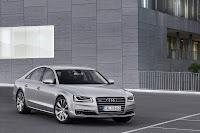 2014-Audi-A8-06.jpg