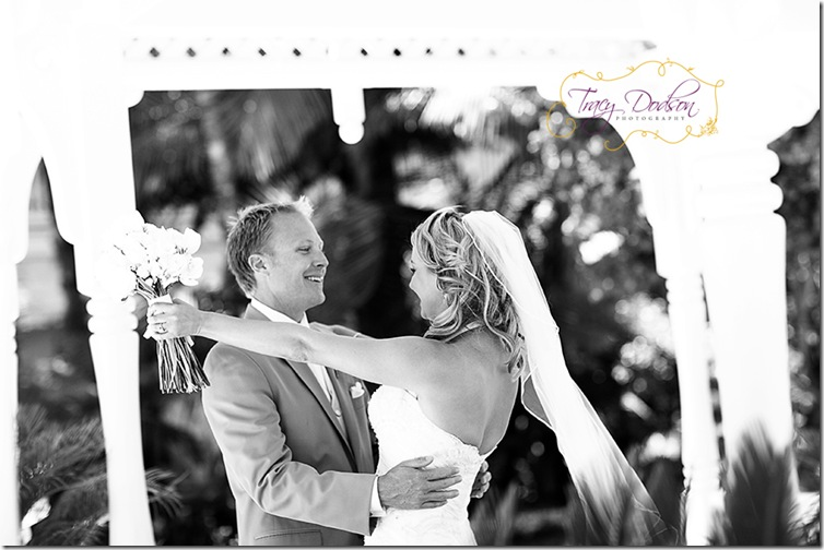 D&L First Look 1   021bw