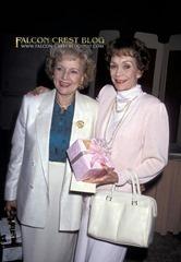 Wyman_Jane 43.02 Betty White - 25th Annual Women of The World Luncheon To Benefit Childhelp 25.05.1989