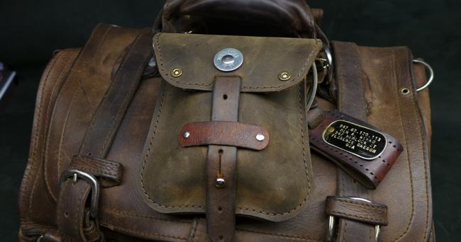leatherwerk pouchli on saddleback leather briefcase