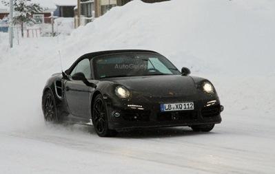 2013-Porsche-911-Turbo-Cabriolet-01