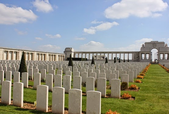 10_04_2014-14_03_03-1886Poziere graves