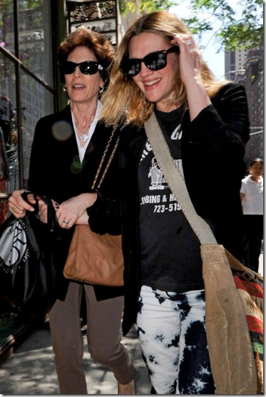 Drew Barrymore Drew Barrymore Out NYC 2 qDSHEwOCS6ul