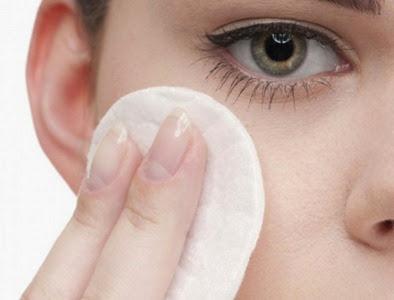 Os-melhores-produtos-para-tirar-maquiagem-www.mundoaki.org