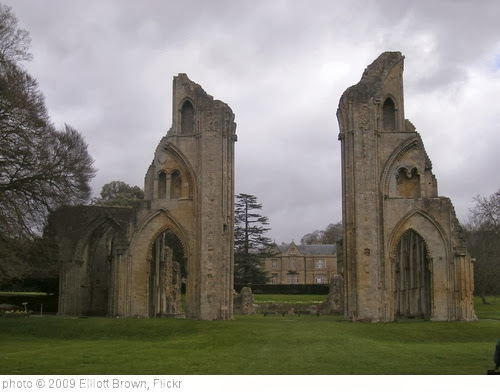 'Glastonbury Abbey' photo (c) 2009, Elliott Brown - license: http://creativecommons.org/licenses/by/2.0/