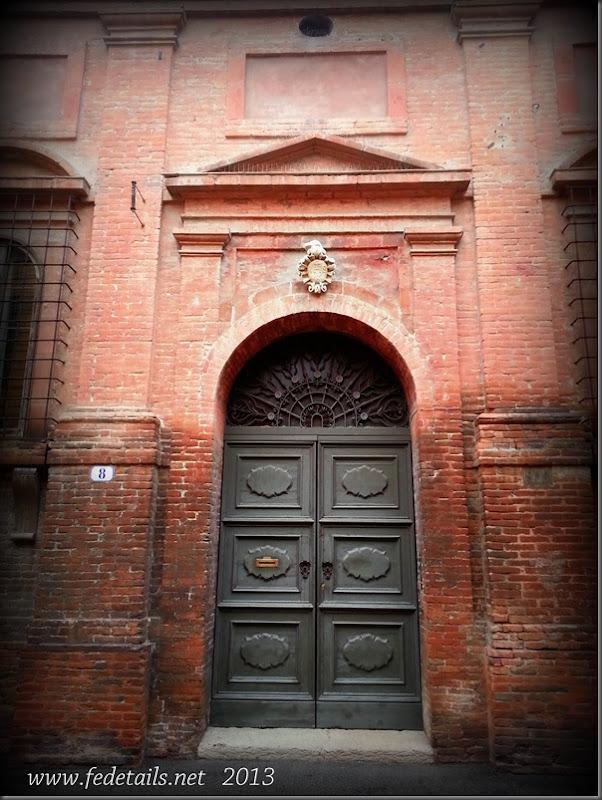 Portoni della città 2, Ferrara, Emilia Romagna, Italia - Doorways of the city 2, Ferrara, Emilia Romagna, Italy - Property and Copyrights of FEdetails.net