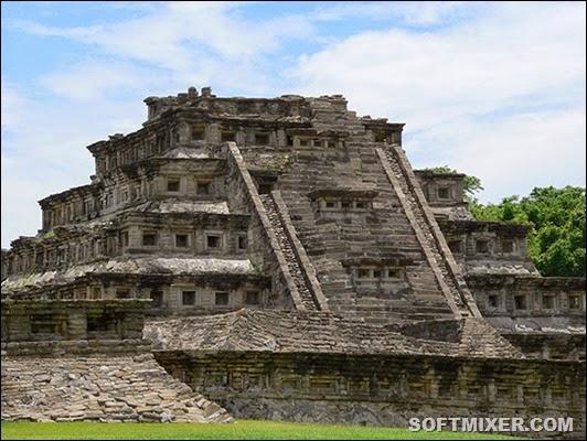 Veracruz-El_Tajín_Nischen-pyramdie